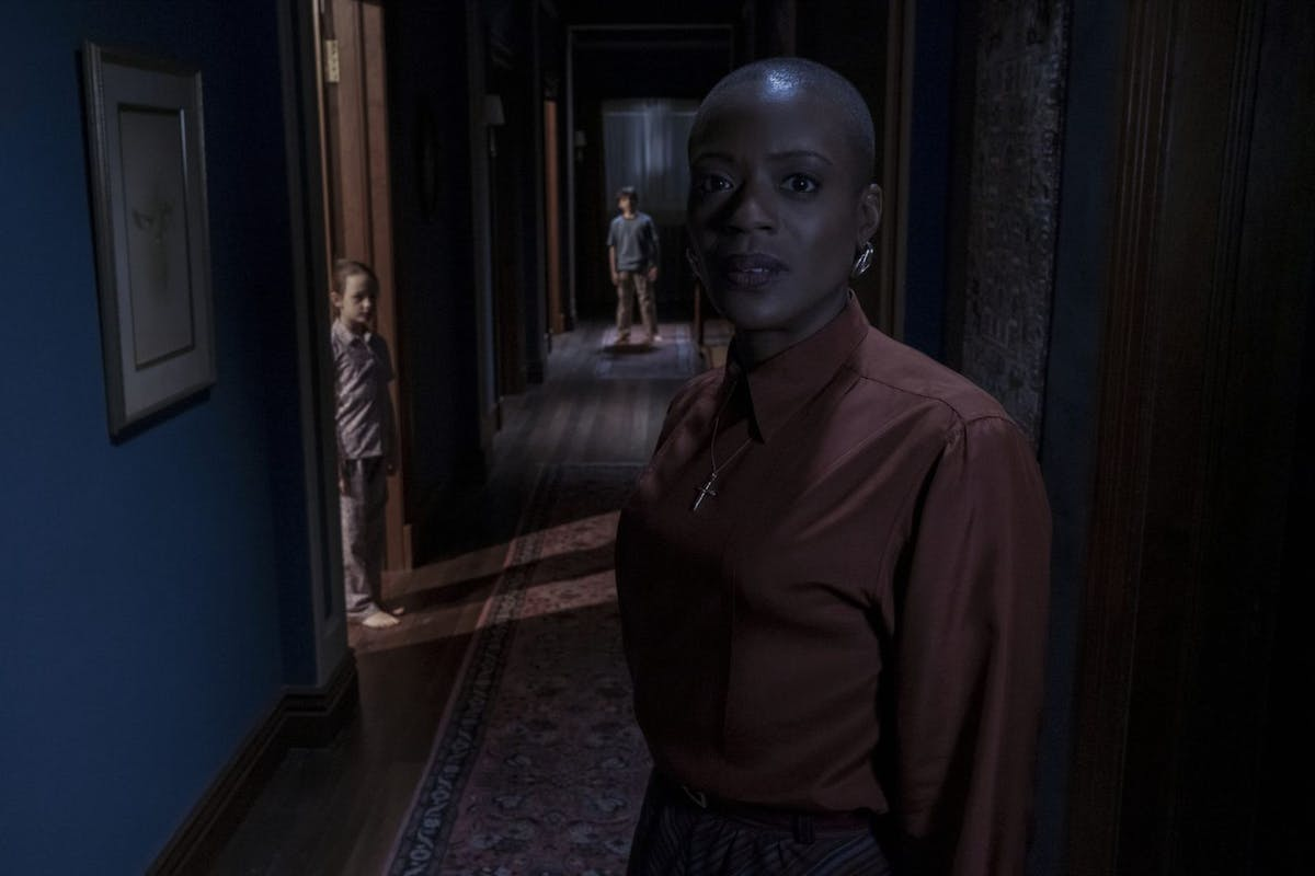 The Haunting Of Bly Manor: Amelie Bea Smith as Flora, Benjamin Evan Ainsorth as Miles, and T'Nia Miller as Hannah.