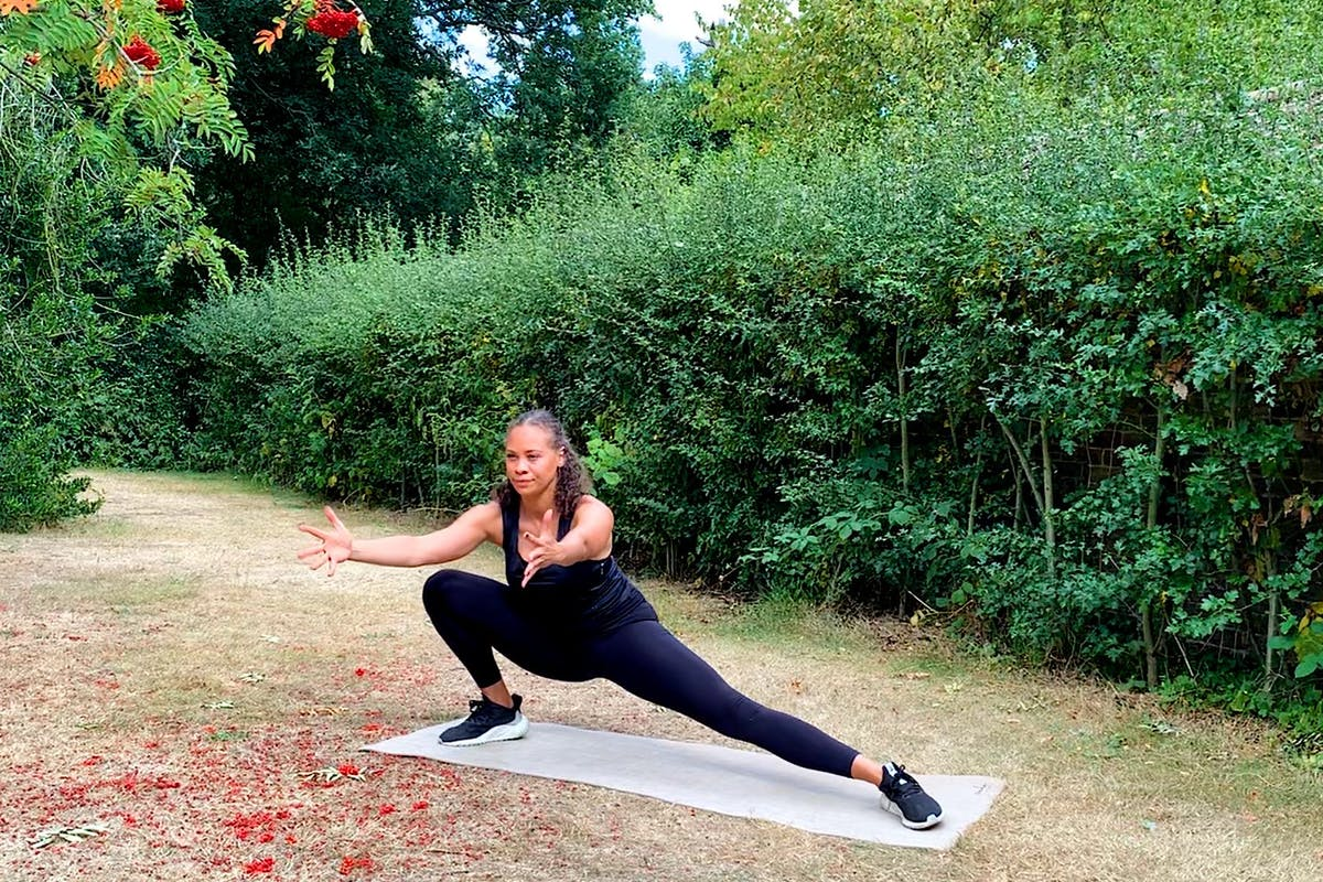mobility-workout-exercise-fitness-strong-women