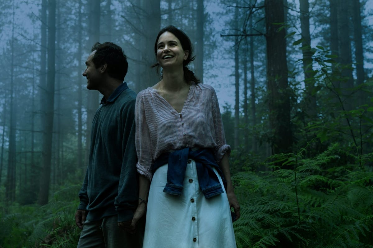 Jude Law and Katherine Waterston in Sky's The Third Day