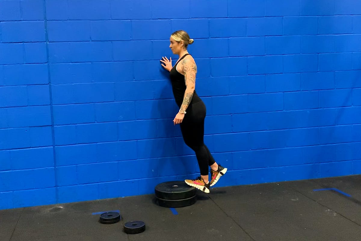 leg-workout-calf-exercises-fitness-strength-training-strong-women