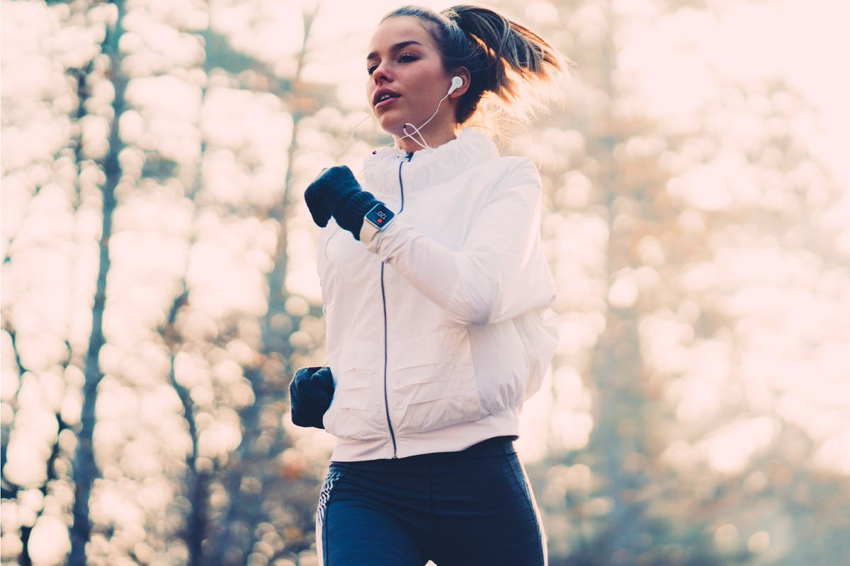 motivation-cold-weather-winter-season-running-strong-women