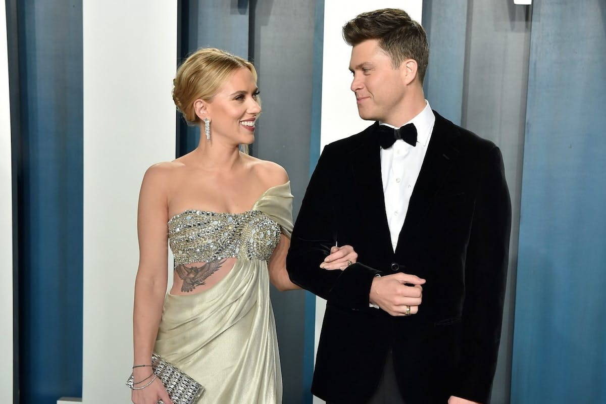 'The Avengers' Star Scarlett Johansson Marries Fiancé In New York