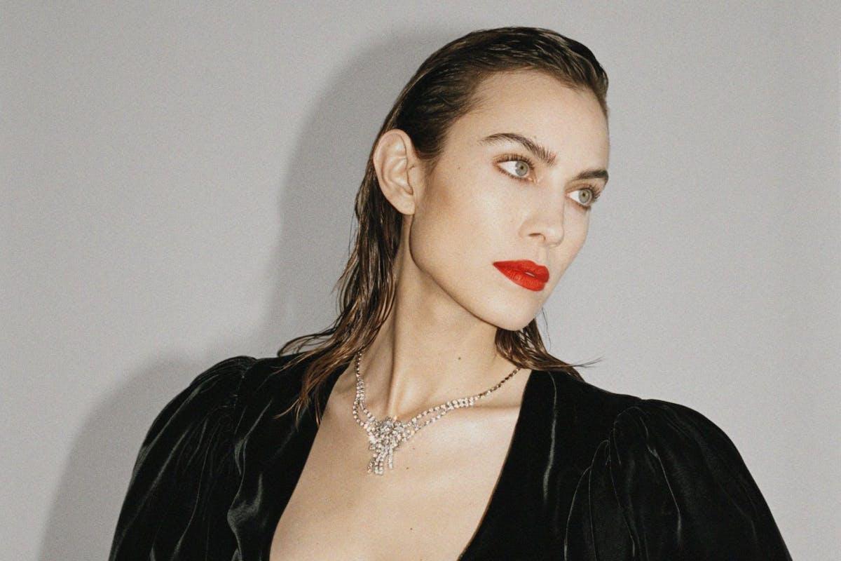 alexa-chung-lockdown-beauty-routine