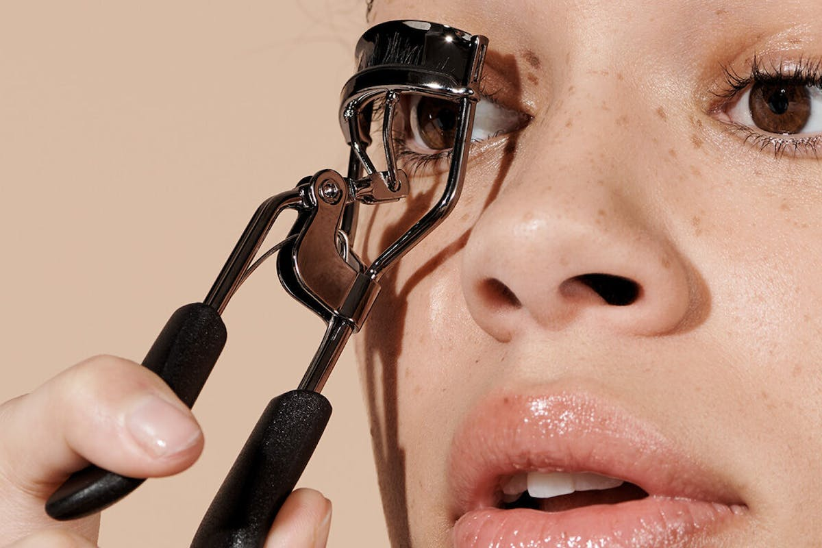 best-eyelash-curlers-to-lift-curl-and-enhance-your-natural-lashes