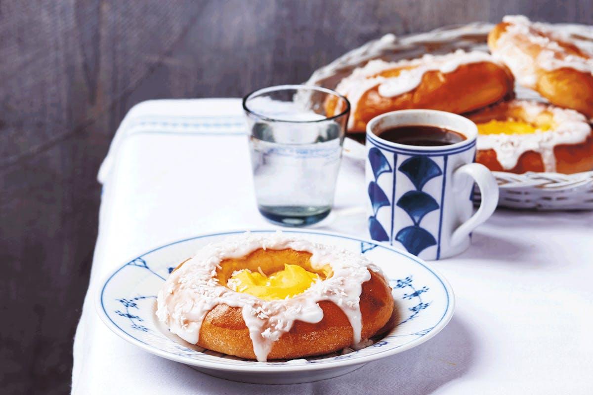 Scandinavian baking recipes: Norwegian cream buns