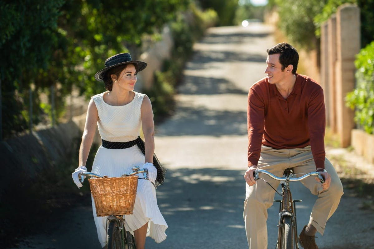 The Last Letter From Your Lover tells the story of journalist Ellie Haworth (Felicity Jones).
