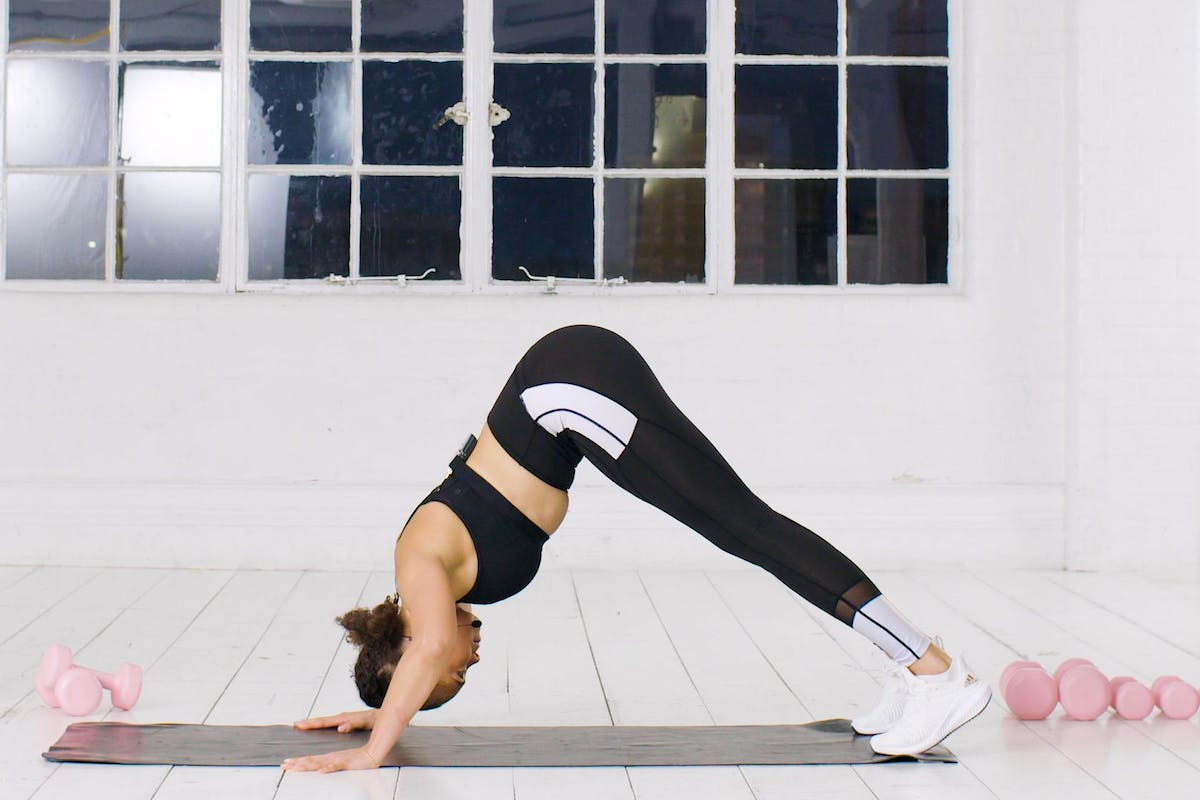 arm-workout-press-ups-exercise-upper-body