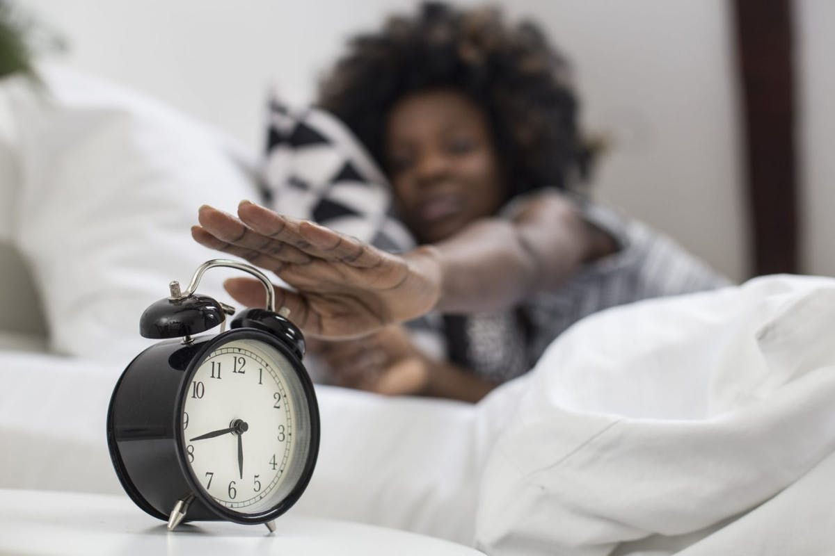 Should you have the same sleep schedule every day?