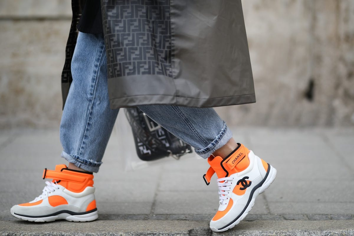 Street style wearing trainers