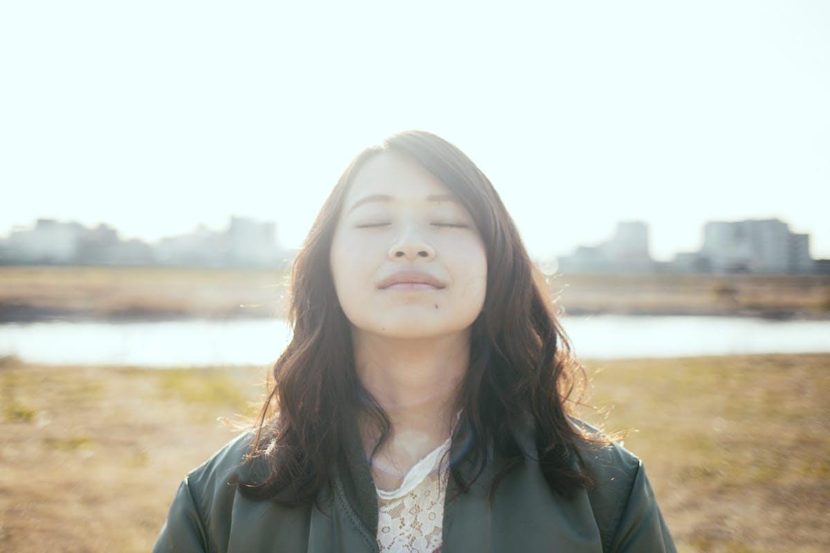 woman meditation in the sun