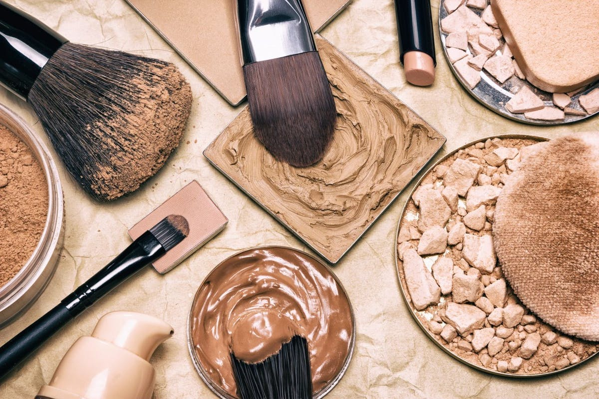 Different foundation textures and make-up brushes