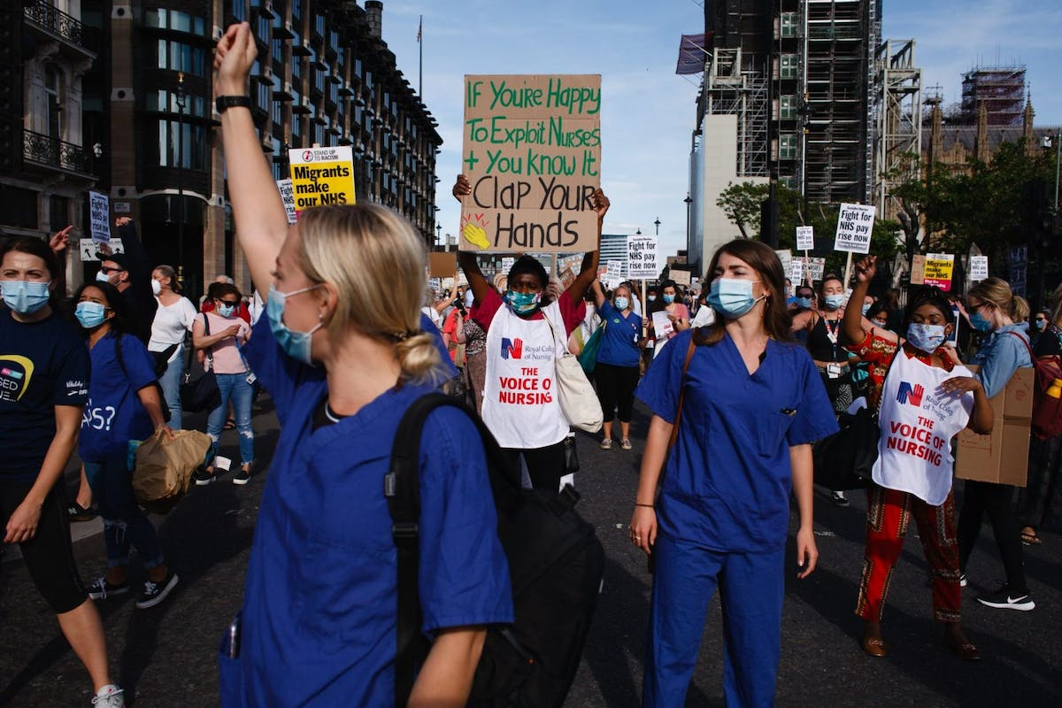 NHS staff campaigning for a pay rise