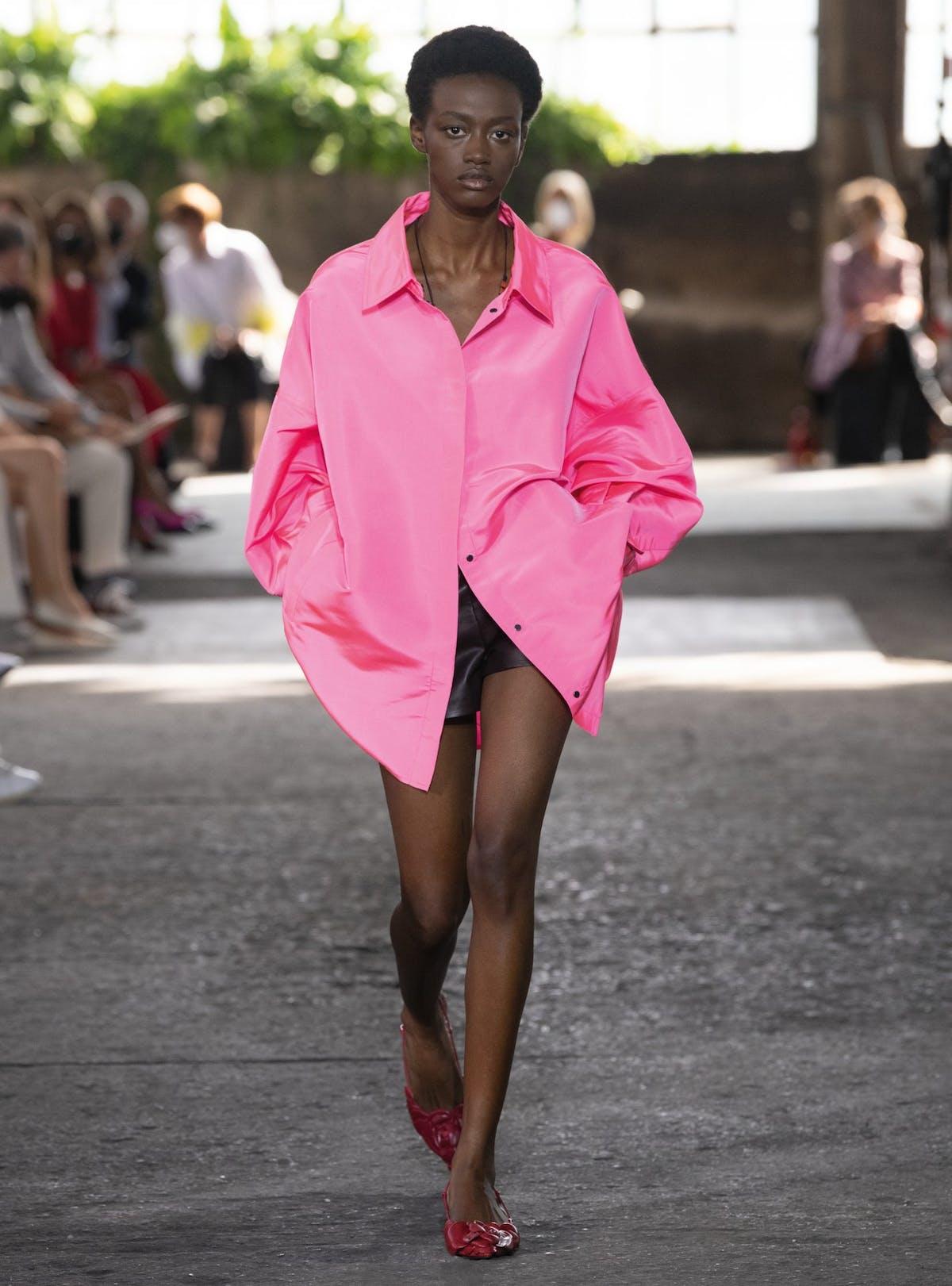 Bubblegum pink spring/summer 2021 trend