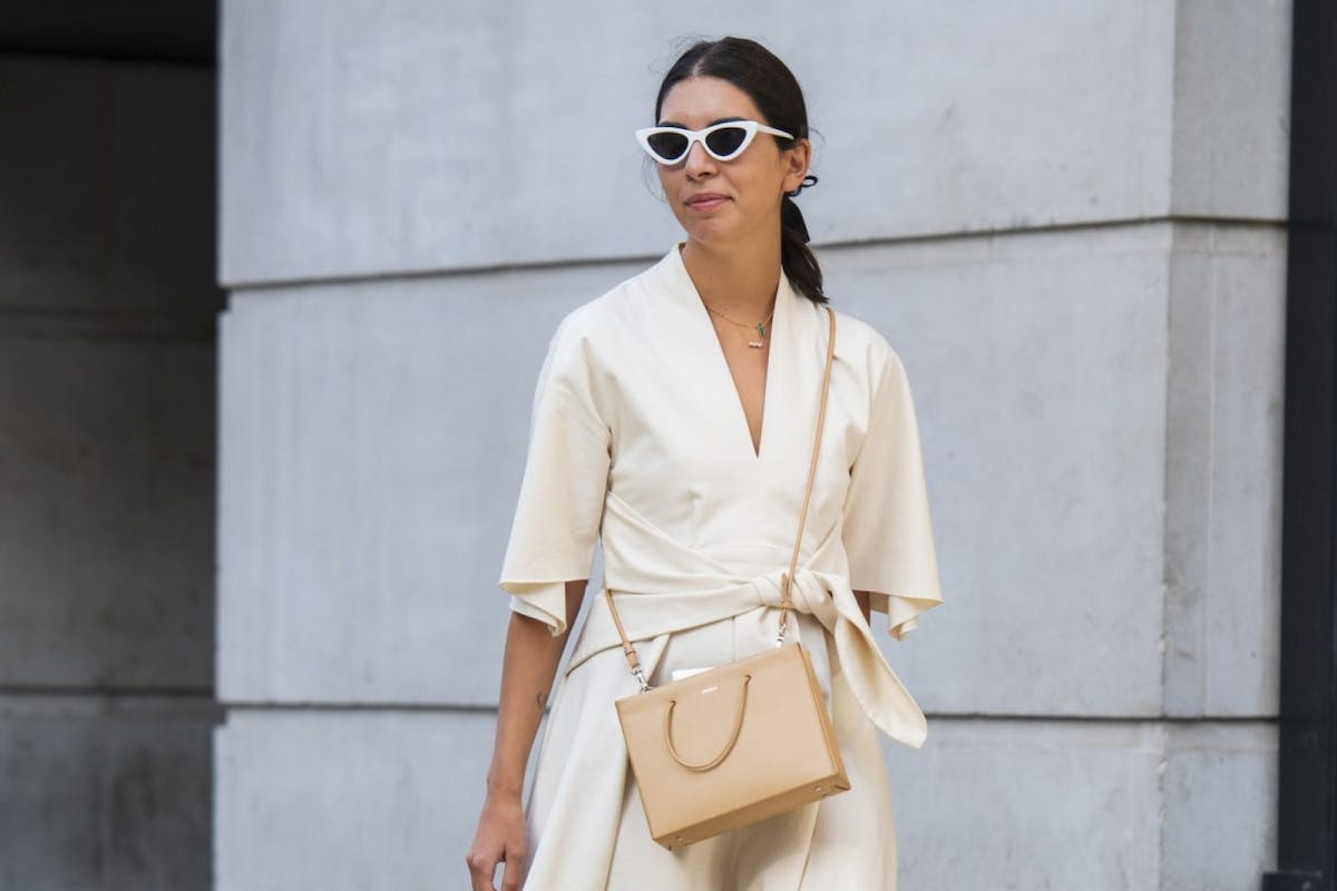 Street style wearing knotted dress
