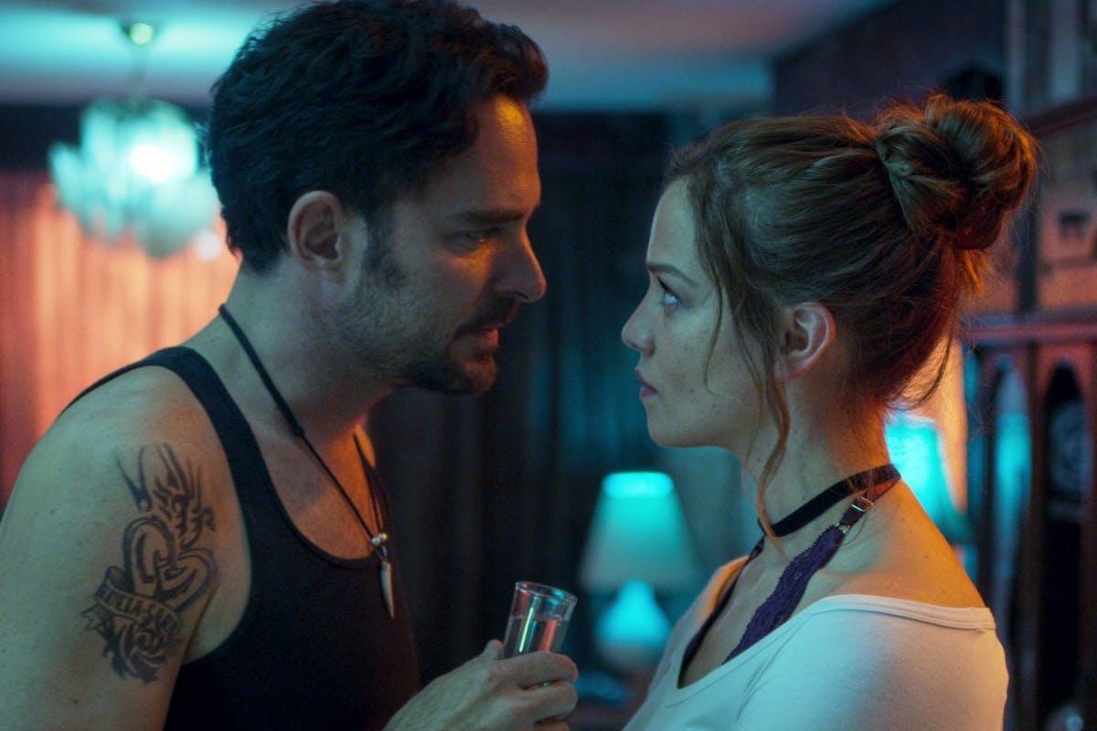 Who Killed Sara on Netflix: MANOLO CARDONA as ALEX and CAROLINA MIRANDA as ELISA