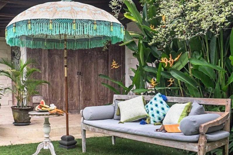 Tracy round bamboo parasol