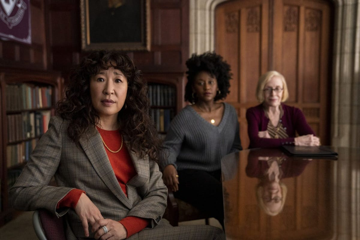 THE CHAIR (L to R) SANDRA OH as JI-YOON, NANA MENSAH as YAZ, and HOLLAND TAYLOR as JOAN in episode 106 of THE CHAIR Cr. ELIZA MORSE/NETFLIX © 2021