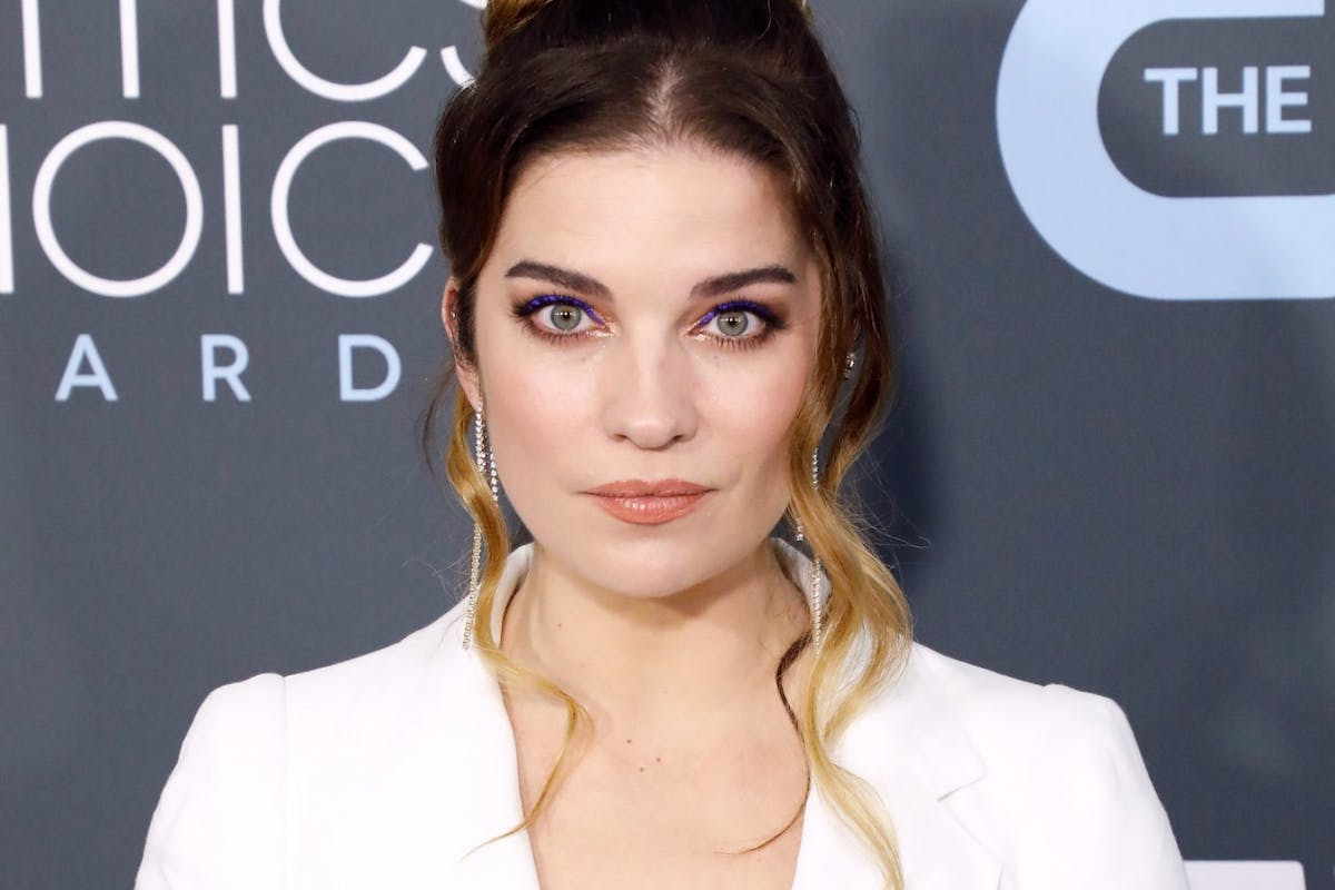 Annie Murphy attends the 25th Annual Critics' Choice Awards at Barker Hangar on January 12, 2020 in Santa Monica, California. (Photo by Taylor Hill/Getty Images)