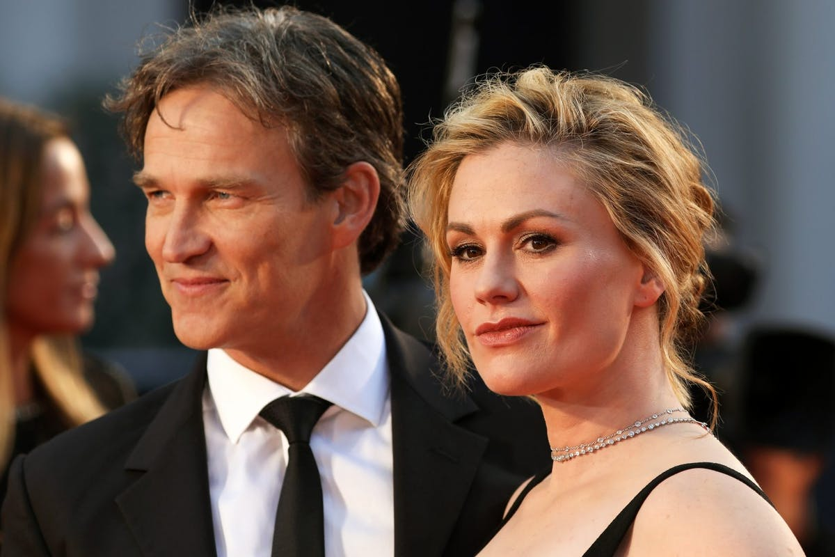 """Stephen Moyer and Anna Paquin attend """"The Irishman"""" International Premiere and Closing Gala during the 63rd BFI London Film Festival at the Odeon Luxe Leicester Square on October 13, 2019 in London, England. (Photo by Lia Toby/Getty Images for BFI)"""