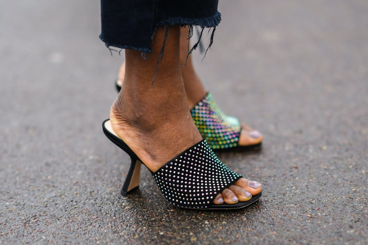 Micro mules are about to take fashion by storm.