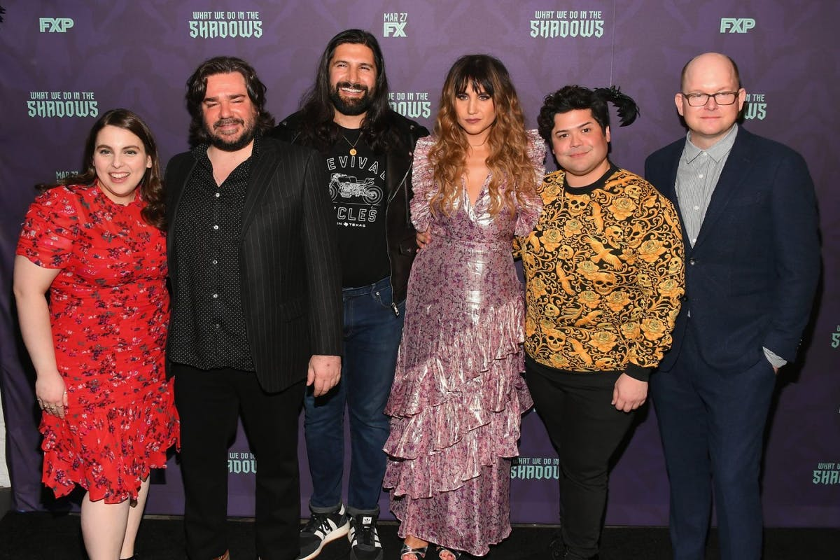 """Beanie Feldstein, Matt Berry, Kayvan Novak, Natasia Demetriou, Harvey Guillén and Mark Proksch attend the """"What We Do In The Shadows"""" New York Premiere at Metrograph on March 19, 2019 in New York City. (Photo by Nicholas Hunt/Getty Images)"""