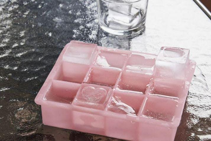 Hay ice cube tray