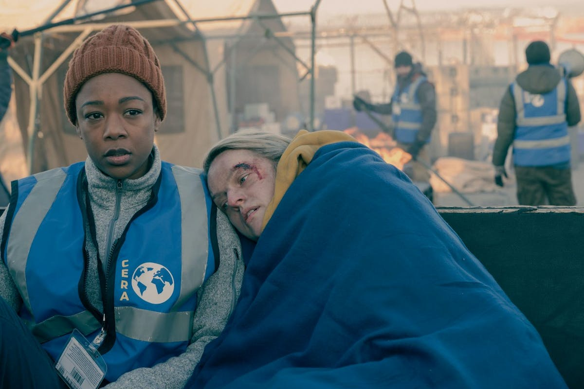 Samira Wiley and Elisabeth Moss in Handmaid's Tale episode Vows