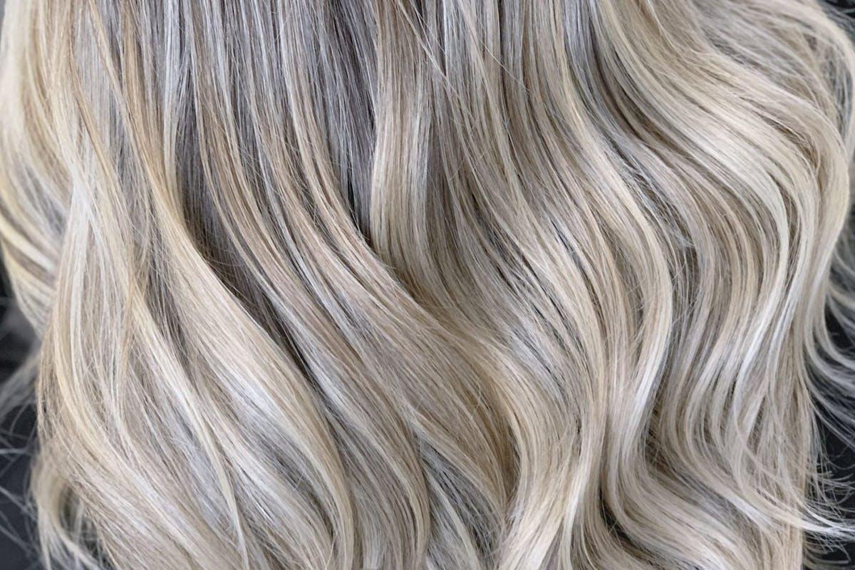Conceptual hair blonde waves