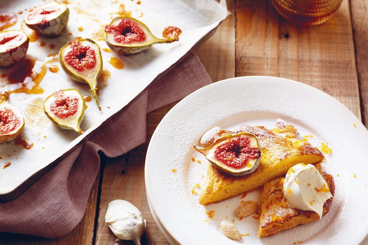 french toast recipe with figs, orange mascarpone and almonds