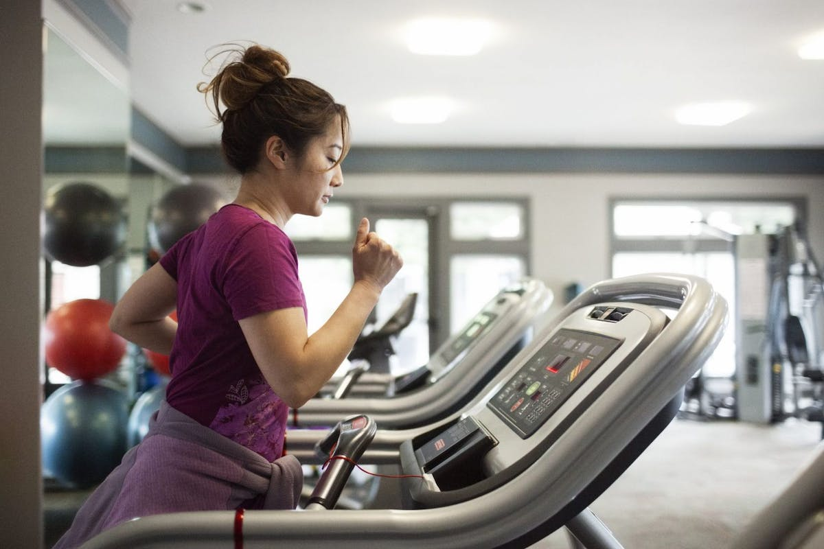 Benefits of treadmill and road running.