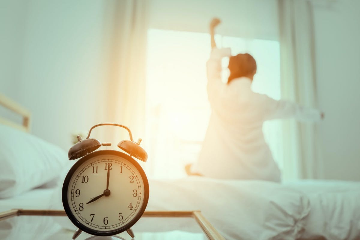 How to sleep better in autumn: what is the best time to get out of bed in October?